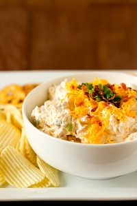 loaded-baked-potato-dip-1-550